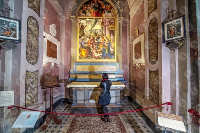Collegiata di San Michele Arcangelo interno affresco colori arte donna ragazza  Panicale