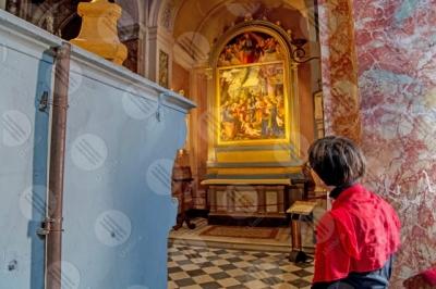 panicale Collegiata di San Michele Arcangelo interno affresco colori arte donna ragazza