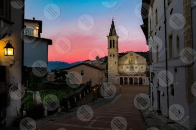 spoleto Piazza Duomo Duomo centro storico tramonto facciata scalinata