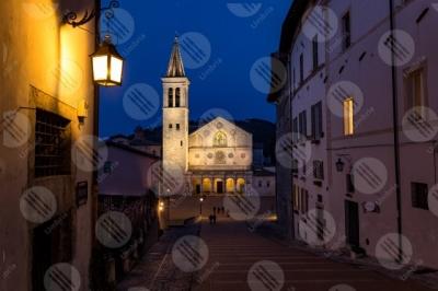 spoleto Piazza Duomo Duomo centro storico facciata notte scalinata