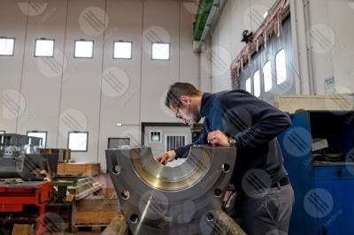umbria industria impresa economia lavoro lavorazione lavoratore strumenti uomo operaio