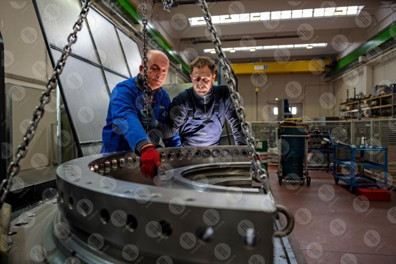 industria impresa economia lavoro lavorazione lavoratori operai strumenti uomini  Umbria