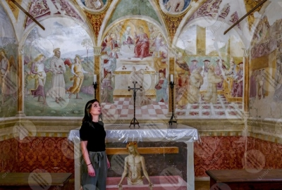 montefalco Convento di San Fortunato Tiberio D'Assisi Cappella delle rose paintings art girl woman
