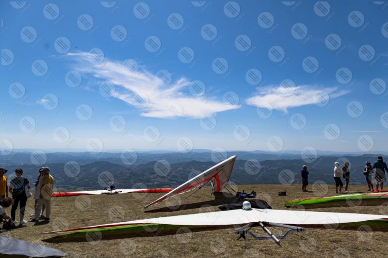 parco Monte Cucco deltaplano sport persone vista panorama cielo colline montagne  Eugubino - Altochiascio