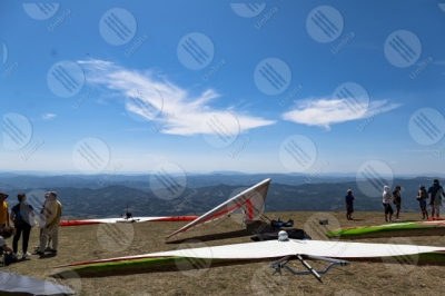 eugubino-altochiascio park Monte Cucco hang glider sport people view landscape sky hills mountains