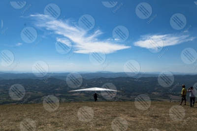 eugubino-altochiascio park Monte Cucco hang glider sport people view landscape fly hills mountains