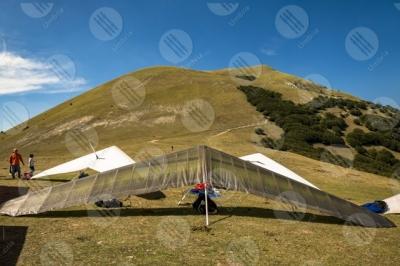 eugubino-altochiascio park Monte Cucco hang glider sport people sky
