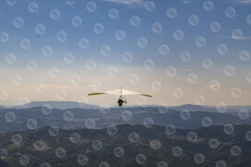 parco Monte Cucco deltaplano sport volo cielo colline montagne vista panorama  Eugubino - Altochiascio