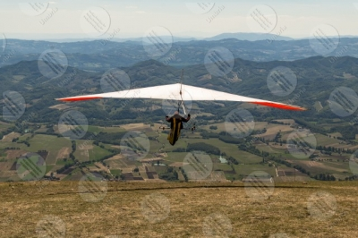 eugubino-altochiascio park Monte Cucco hang glider sport fly sky view landscape hills mountains