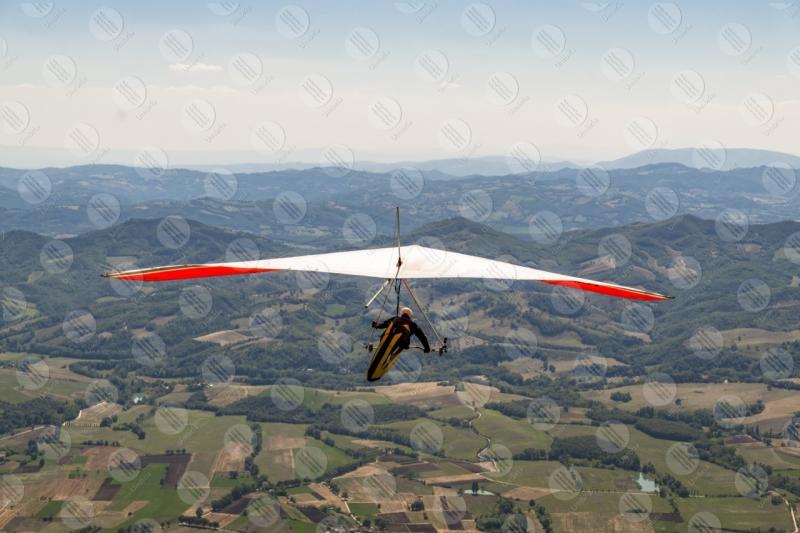parco Monte Cucco deltaplano sport volo vista panorama cielo colline montagne  Eugubino - Altochiascio