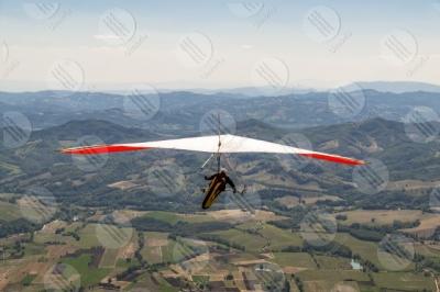 eugubino-altochiascio park Monte Cucco hang glider sport fly view landscape sky hills mountains