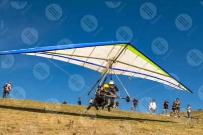 eugubino-altochiascio park Monte Cucco hang glider sport fly sky people