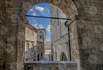 todi Todi historical centre alleys foreshortening arch